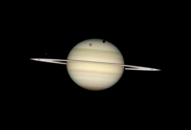 Saturno. NASA.